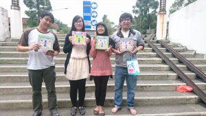 senpai-tachi bersama hadiahnya masing-masing^^
